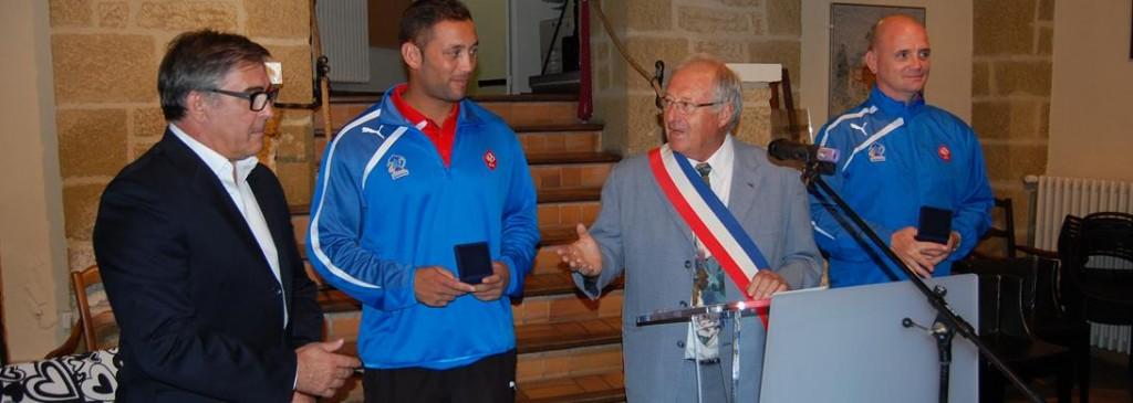La médaille de Chateauneuf du Pape pour les responsables de la FFR de rugby à XIII