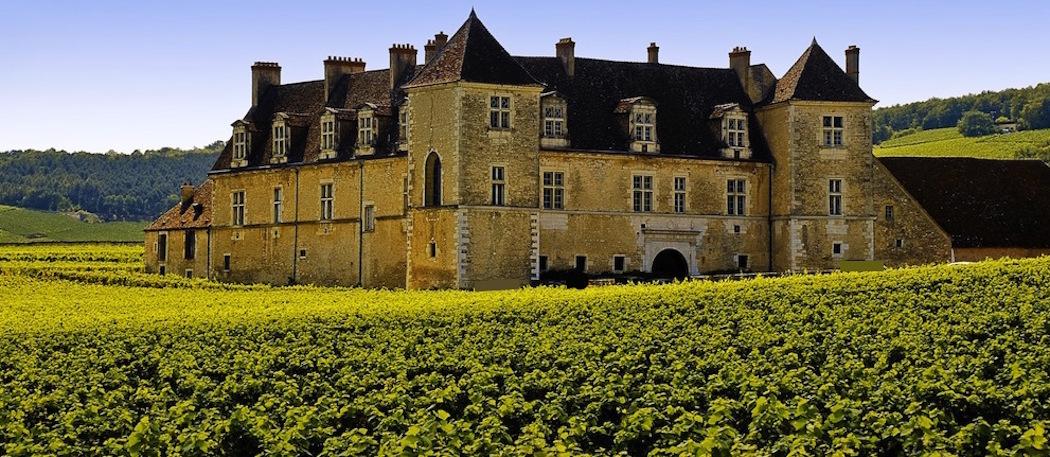 """Le Château du Clos de Vougeot accueille """"Livres en Vignes"""